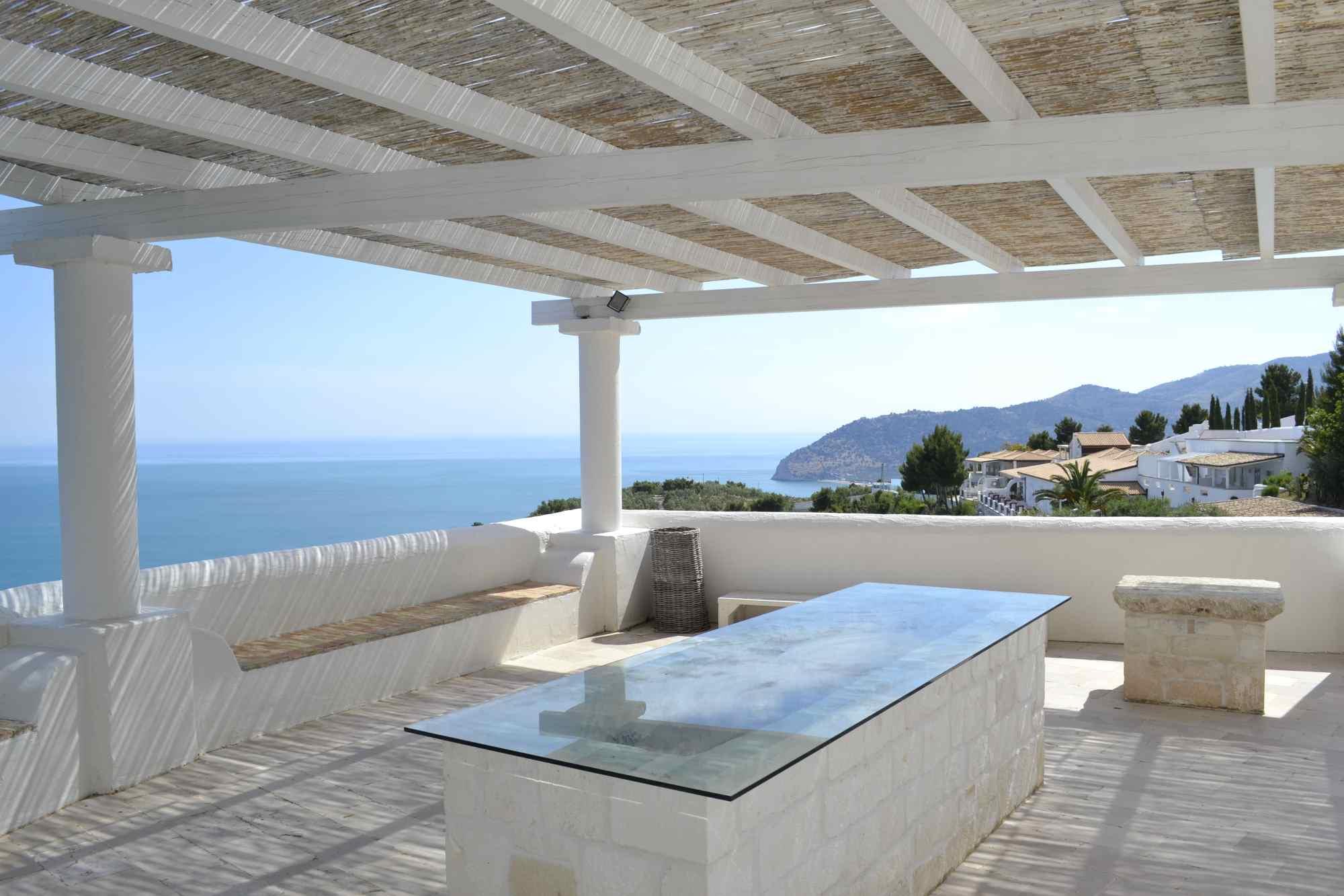 bar-ristorante-esterno-interno-terrazza-vista-mare-mattinata-gargano ...